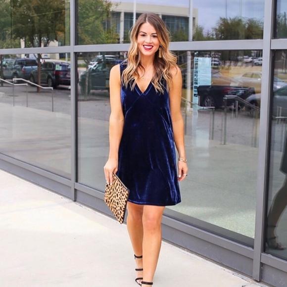 Lilla P Dresses & Skirts - NWT Lilla P navy blue velvet dress
